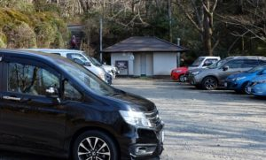 公時神社駐車場