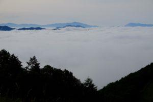 林道から雲海