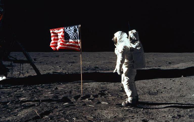 「アポロ計画」の都市伝説について~着陸が嘘なのか・ヤバいものを隠したいのか