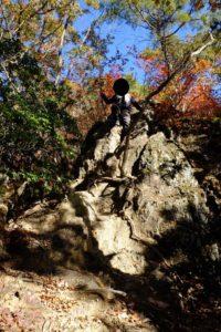 クサリ場の崖