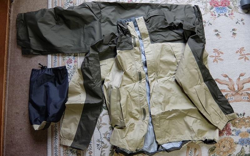登山の「雨具」について~防水透湿性素材にしよう