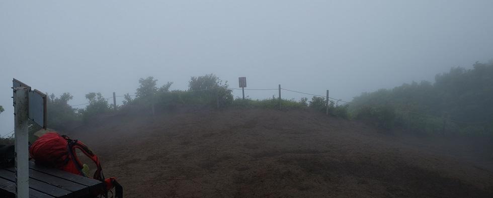 「越前岳」②素敵なお地蔵さんとの出逢い~霧とガス~帰路ルート間違える