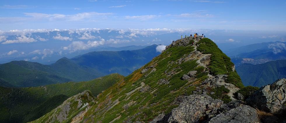 「ハイキング・登山」の健康へのメリット~バランス感覚の改善