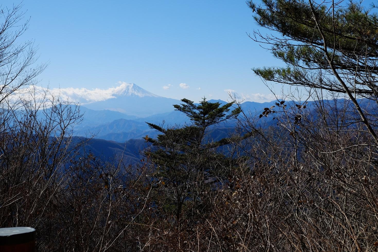 「三頭山」②素晴らしい眺望~富士山から雲取山