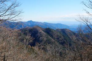 見晴し小屋から大岳山