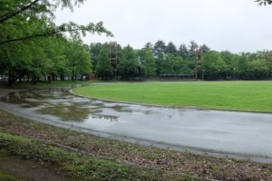 雨のグランド