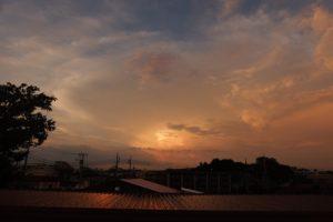 虹の後の夕焼け